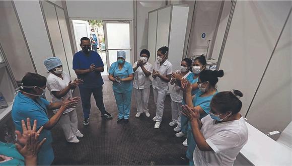 Darán de alta a 10 pacientes que superaron el COVID-19 en víspera del Día de la Madre. (Foto: Essalud)