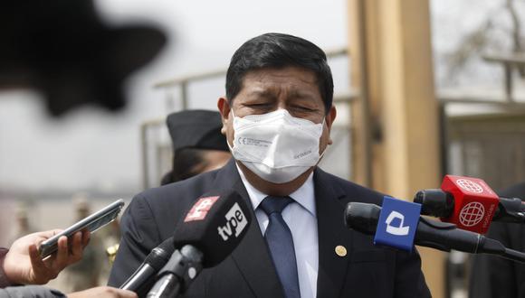 El titular de Defensa evitó pronunciarse sobre comentarios del premier Bellido sobre el vicecanciller Luis Enrique Chávez. (Fotos: Diana Marcelo/ @photo.gec)