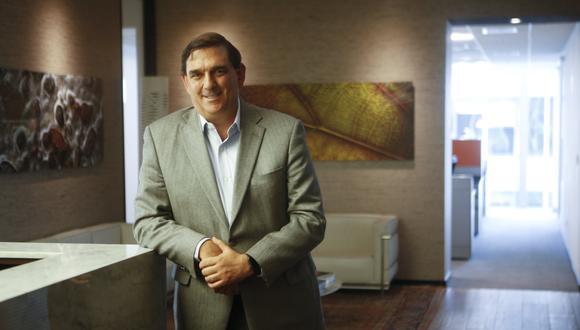 Alfonso Bustamante Canny nació en Arequipa y se formó en Boston.