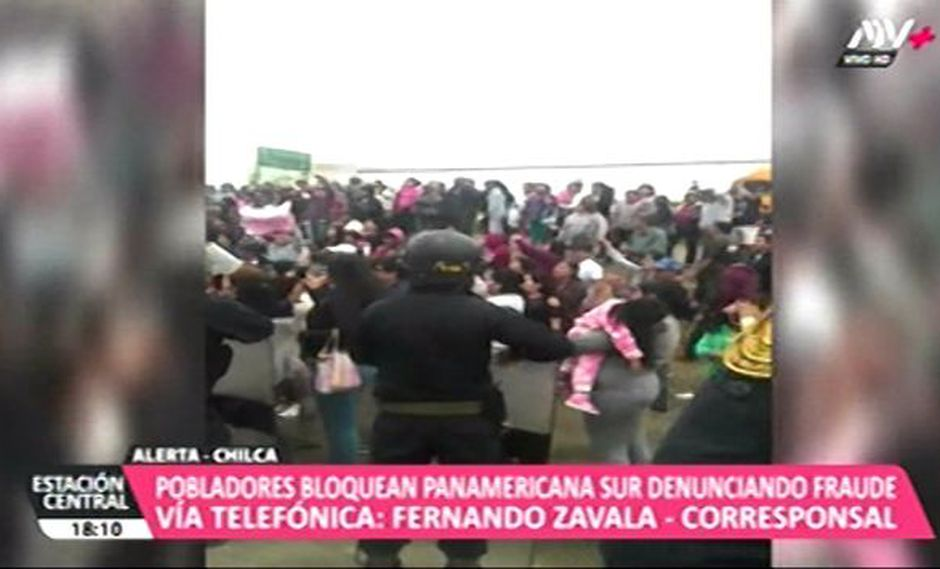 Los vecinos de Chilca protestaron en la Panamericana Sur. (ATV+)