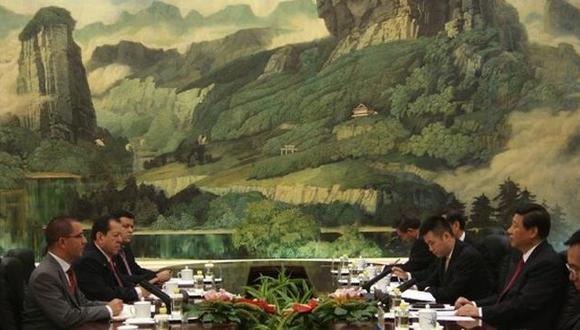 El presidente de China, Xi Jinping y el vicepresidente de Venezuela, Jorge Arreaza, durante una reunión en Pekín hace dos semana
