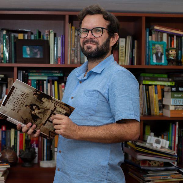 """Jorge Lossio, historiador: """"Una cuarentena bien hecha frena la epidemia"""""""