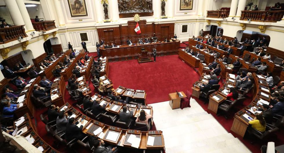 Martín Vizcarra propone al Congreso que apruebe pensión de gracia para tres artistas. (Perú21)