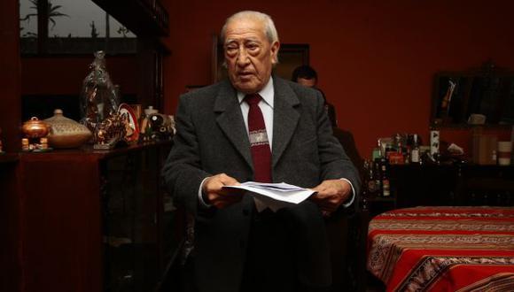 """""""EL TC COMETIÓ UN ERROR"""". Don Isaac insiste en que su hijo solo cometió un delito político (sedición). (David Vexelman)"""