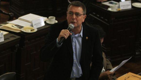 Salinas señaló que fondos adjudicados a empresa nipona no se pueden entregar sin concurso público. (USI)