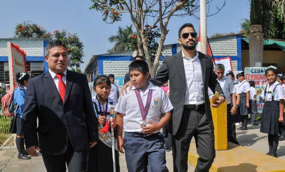Luego de contactarlo, el empresario viajó inmediatamente al Perú para conocer al pequeño. (Difusión)