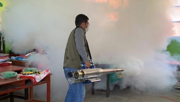 Áncash: Colegios de Chimbote son desinfectados para que padres de familia no contraigan COVID-19. (Foto: Andina)