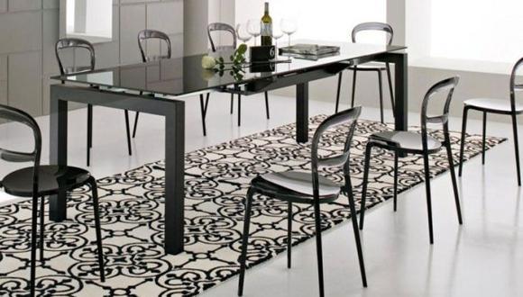 Por ejemplo, elegir tapices que tengan colores intensos funcionan como un acento alegre. (Difusión)