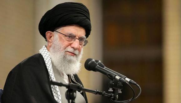 """El guía supremo iraní acusó a la prensa extranjera de servirse de la epidemia como """"pretexto"""" para entorpecer las elecciones legislativas. (AFP)."""