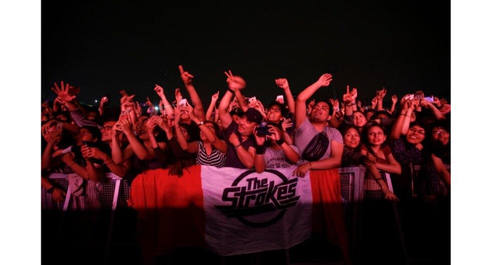 Fans devotos de la banda estelar, The Strokes. (Fotos: Renzo Salazar)