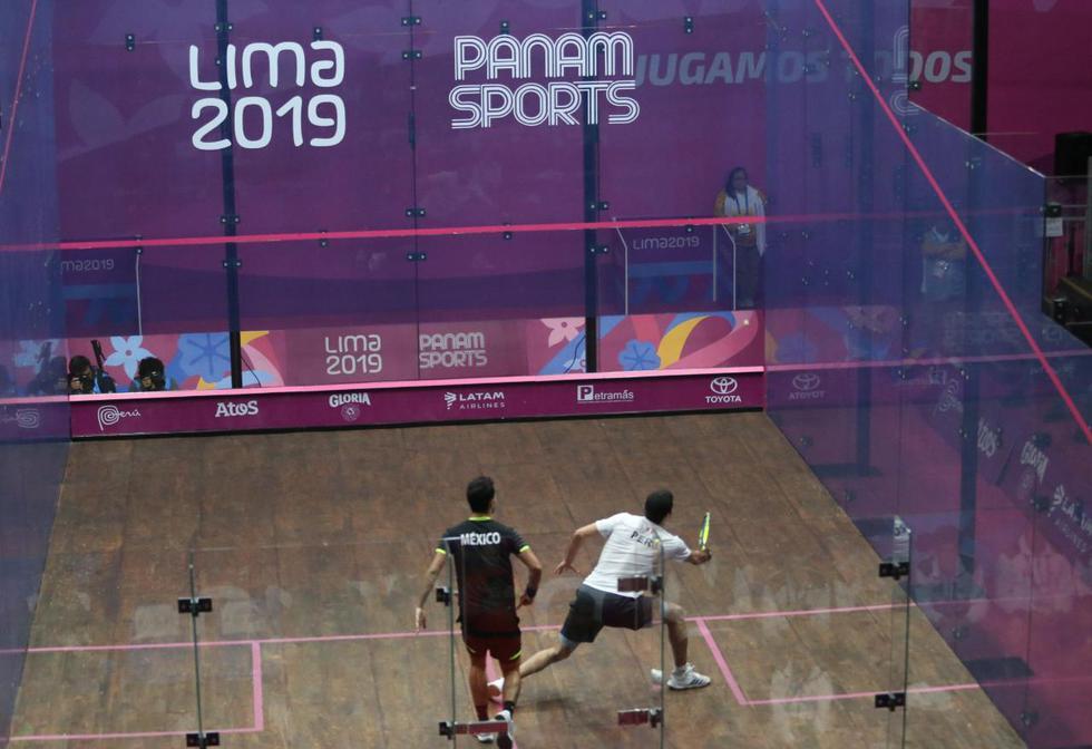 Diego Elías clasificó a la final de squash tras derrotar a César Salazar por 3 a 0. (Foto: Violeta Ayasta)