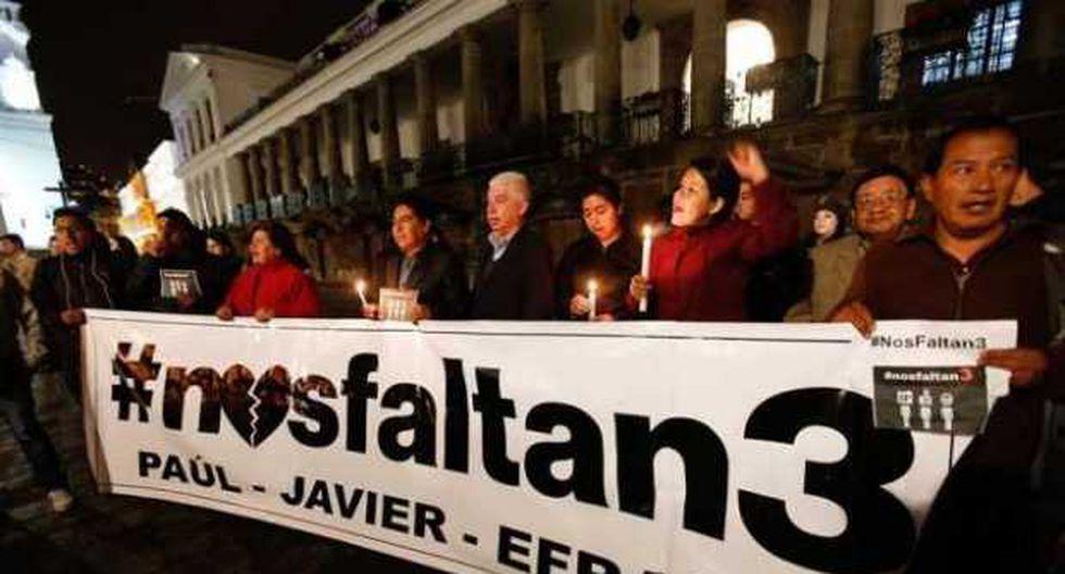 El ministro compareció ante los medios tras la difusión de un supuesto comunicado en el que se anuncia la muerte de los tres secuestrados. (EFE)