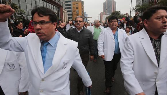 Solo 8% de médicos del Minsa acatan la huelga en Lima. (USI)