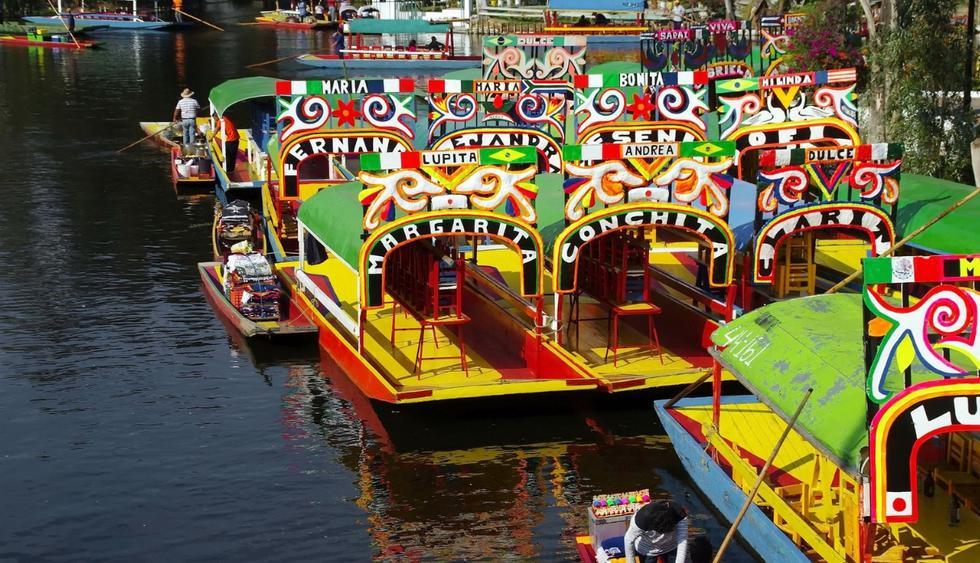 Los paseos en las coloridas barcas en el jardín de Xochimilco. (Foto: Pixabay)