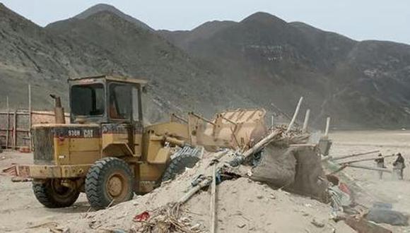 Las diligencias se realizaron con apoyo de la Policía Nacional. Los terrenos se recuperaron de manera pacífica y los invasores no pusieron resistencia en el desalojo (Foto: SBS)