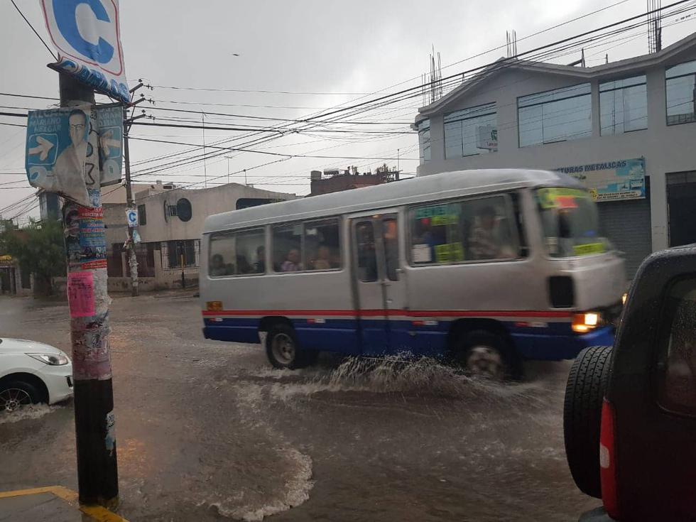 Las intensa lluvia ocasionaron gran alarma en los ciudadanos por las inundaciones. (Facebook)