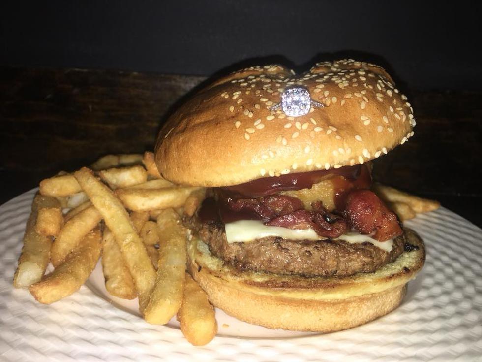 Regalos para San Valentín: ¿Una hamburguesa más un anillo de compromiso a US$ 3 mil? (Pauli's)