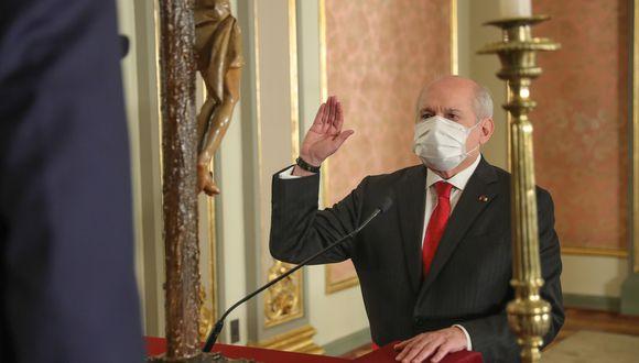 Pedro Cateriano juró en el cargo de primer ministro este miércoles. (Foto: Presidencia)