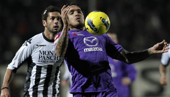 Vargas tiene pocas posibilidades de ser titular en la temporada que se avecina. (AP)