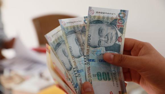 Tras solicitar el retiro, las entidades financieras deberán desembolsar el dinero de los trabajadores en un plazo de dos días hábiles como máximo. (Foto: Andina)