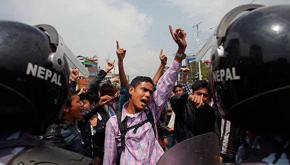 Protestantes salieron a marchar en 20 principales distritos del país. (Noticias24).