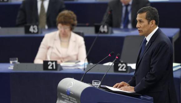 EN PARLAMENTO EUROPEO. Presidente de la República admitió que antes ha sido crítico de los TLC. (Reuters)