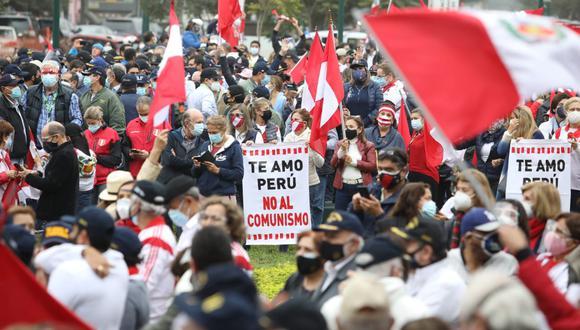 """Miembros de las FF.AA. en situación de retiro participan en concentración """"Respeta mi voto"""". (photo.gec/Britanie Arroyo)"""