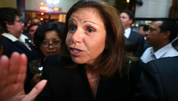 Flores Nano recordó las batallas políticas que libró junto a JDC. (Rafael Cornejo)