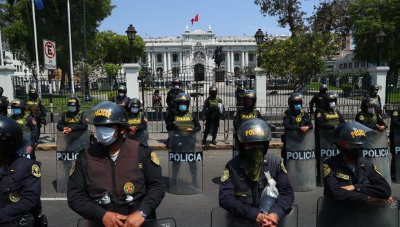 La brutal represión policial dejó dos fallecidos durante las protestas de ayer. (Foto: Alessandro Currarino / GEC)