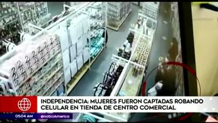 Cámaras de seguridad registran a mujeres asaltando en tienda de centro comercial