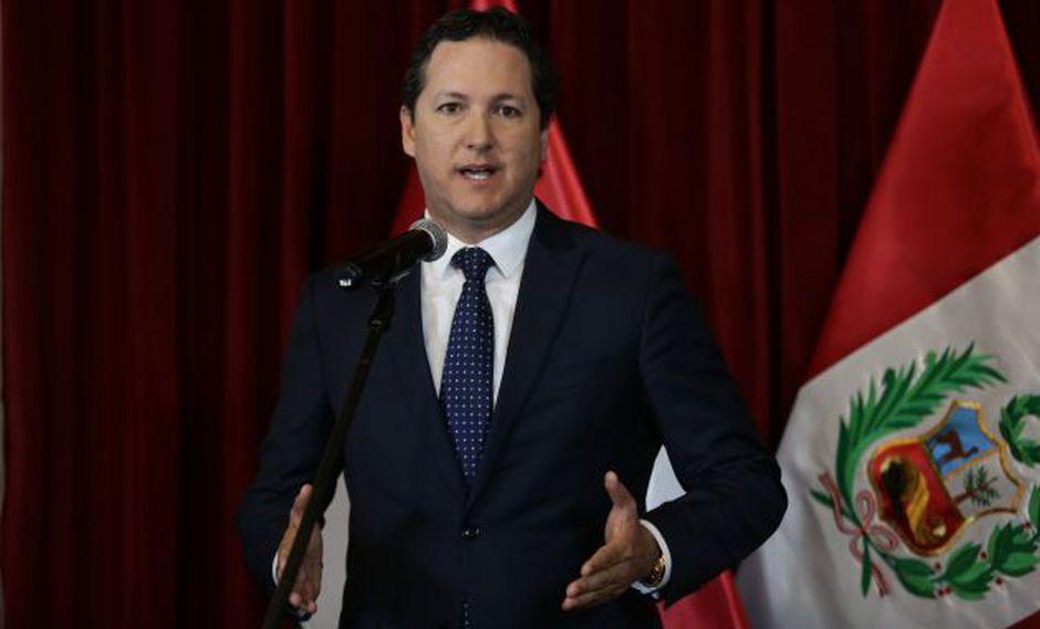 Daniel Salaverry mantuvo su decisión de permitir la formación de más bancadas. (Perú21)