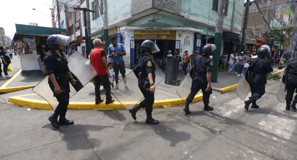 En el segundo día de reapertura aún se observa gran despliegue policial. (Fotos: Mario Zapata)