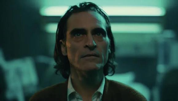Conductora causa indignación por burlarse de cicatriz de labio leporino de Joaquin Phoenix. (Foto: Warner Bros.)