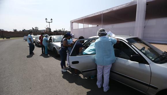 El Ministerio Público investiga dos presunto casos en los que los enfermeros usarían jeringas vacías durante el proceso de vacunación. (Foto: Jesús Saucedo/ @photo.gec)