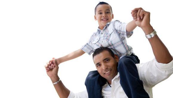 Cuando el papá está fuera, el papel de la madre se fortalece. Ambos necesitan apoyarse para sacar adelante a los hijos. (USI)