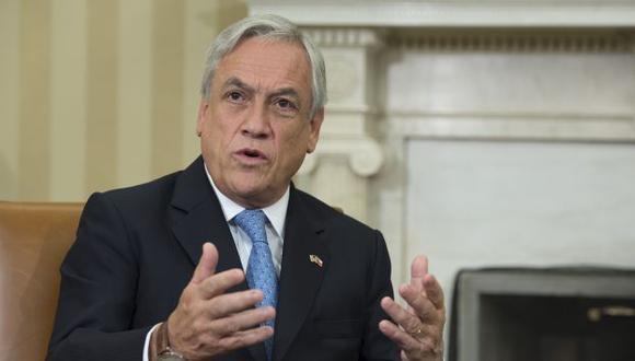 Critican al presidente de Chile por convocar a técnicos durante su gobierno. (AFP)