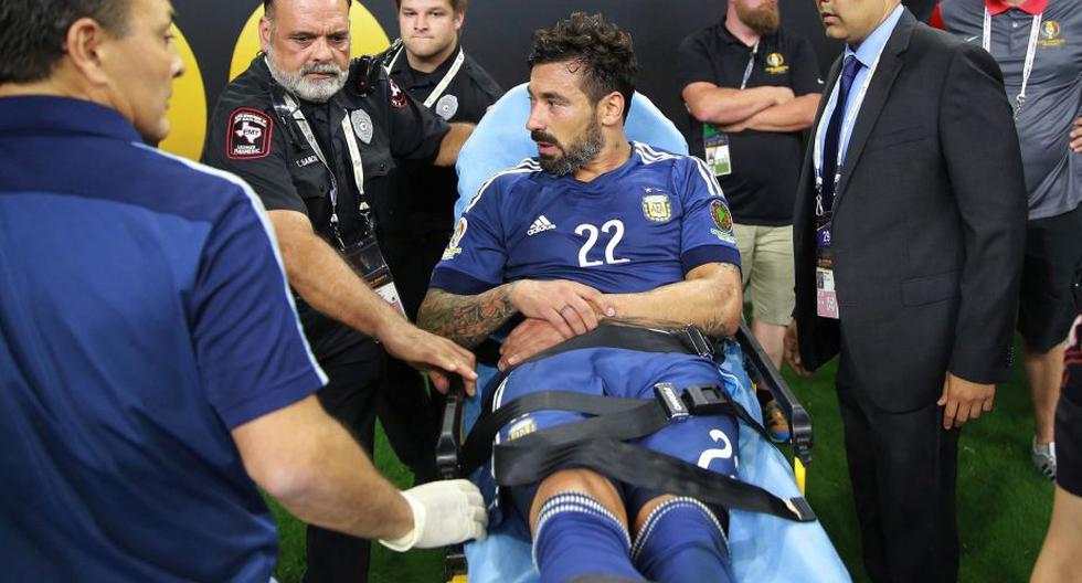 Ezequiel Lavezzi sufrió una terrible lesión y quedó fuera de la final de la Copa América Centenario. (EFE)