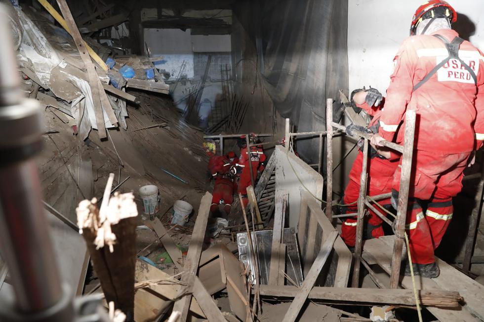 Labores de búsqueda de los Bomberos. (Fotos: Hugo Perez / @photo.gec)