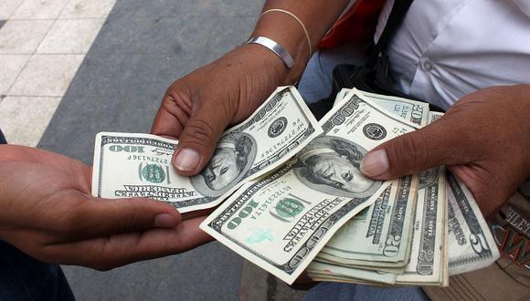 El dólar acumula una ganancia de 8.51% frente al sol en lo que va del año. (Foto: GEC)