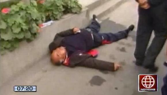 El hombre no pudo levantarse por varios minutos. (Canal 4)