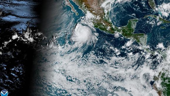 Esta imagen satelital proporcionada por la Administración Nacional Oceánica y Atmosférica de Estados Unidos (NOAA) muestra al huracán Pamela en el Pacífico de México, cerca de Sinaloa. (EFE).
