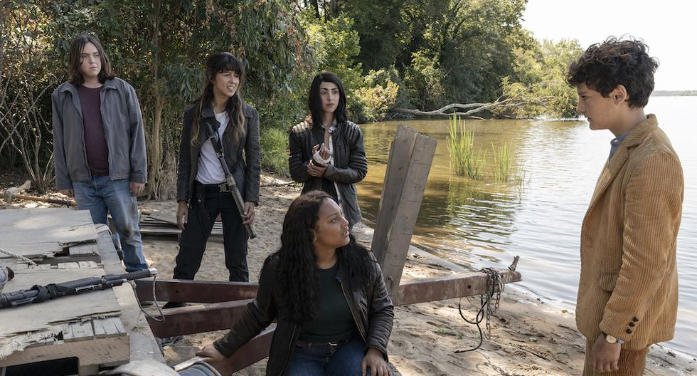 """El canal AMC anuncia que """"The Walking Dead: World Beyond"""" estrenará en América Latina, de manera exclusiva, el próximo lunes 13 de abril.  (Fotos: AMC)"""