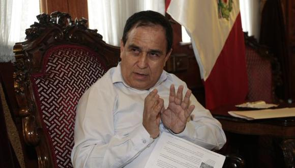 El ministro de Trabajo, Fredy Otárola, dijo que los jóvenes contratados bajo el régimen laboral juvenil si percibirán utilidades. (Perú21)