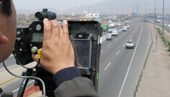 Municipalidad de Lima insiste en fotopapeletas pese a no corregirse erro de señalización en la ciudad. (USI)