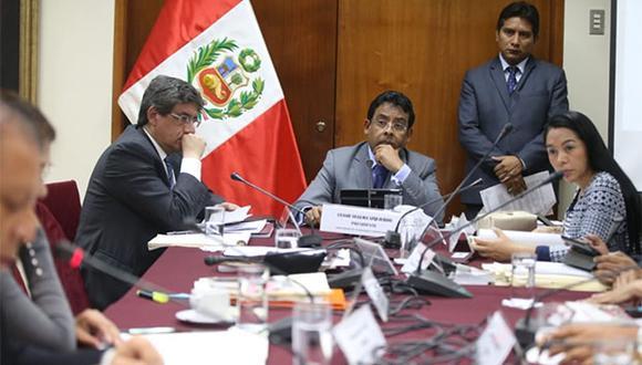 Presidente de la Subcomisión de Acusaciones Constitucionales, César Segura, es cuestionado por no poner en debate las denuncias contra Pedro Chávarry. (Foto: Agencia Andina)
