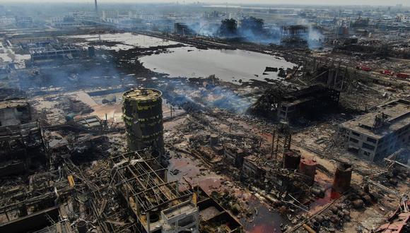 Esta foto de archivo, tomada el 23 de marzo de 2019, muestra una vista aérea de una planta química después de una explosión en Yancheng en la provincia de Jiangsu, en el este de China. (STR / AFP)
