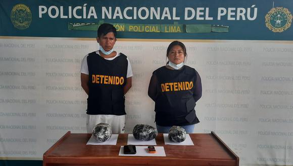 La pareja de enamorados terminó detenida tras un largo viaje.