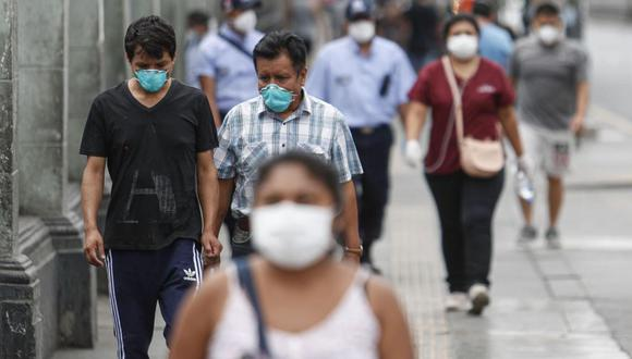La decisión de bajar el nivel de riesgo a Lima y Callao obedece a las ligeras reducciones que han habido en los últimos días en el número de contagios y fallecidos por coronavirus. (Foto: Andina)