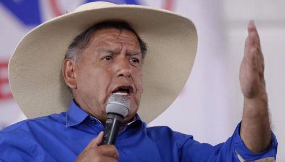 César Acuña es citado por el Tribunal de Honor de Pacto Ético por presunto plagio de libro. (Perú21)