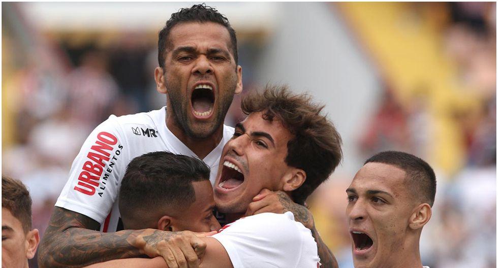 Con danio Alves, Sao Paulo irá al grupo D